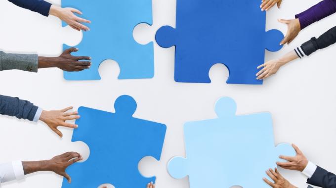 Программы обучения, направленные на развитие личности и общих способностей сотрудников.